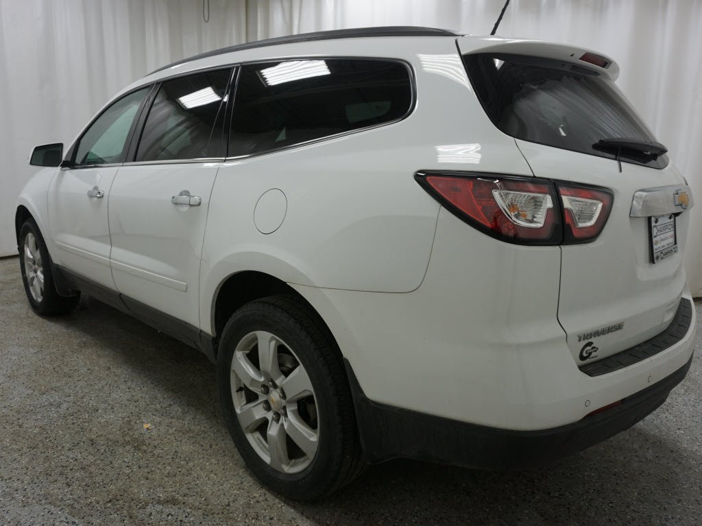 Pre-Owned 2017 Chevrolet Traverse LT 1LT
